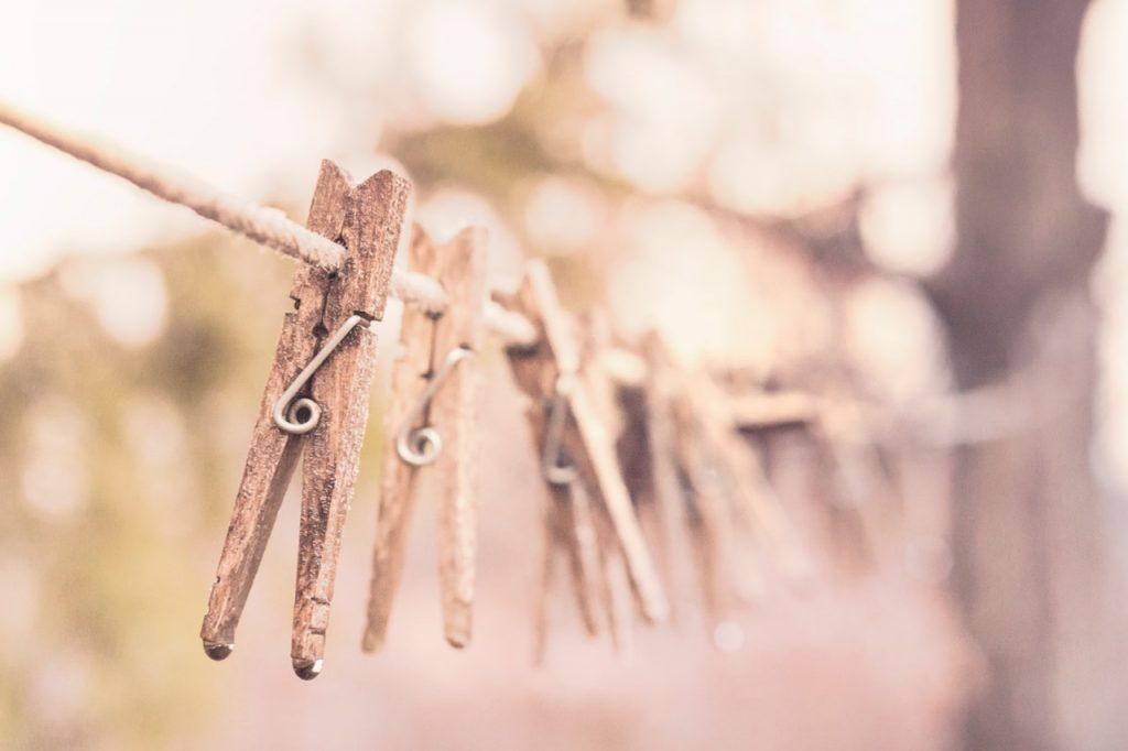 mikromuovin irtoaminen vesistöön pesun yhteydessä